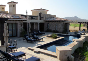 Golf villa patio & pool